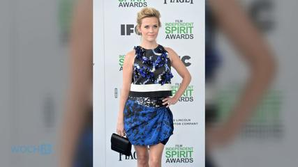 News video: Reese Witherspoon Lights Up The Blue Carpet